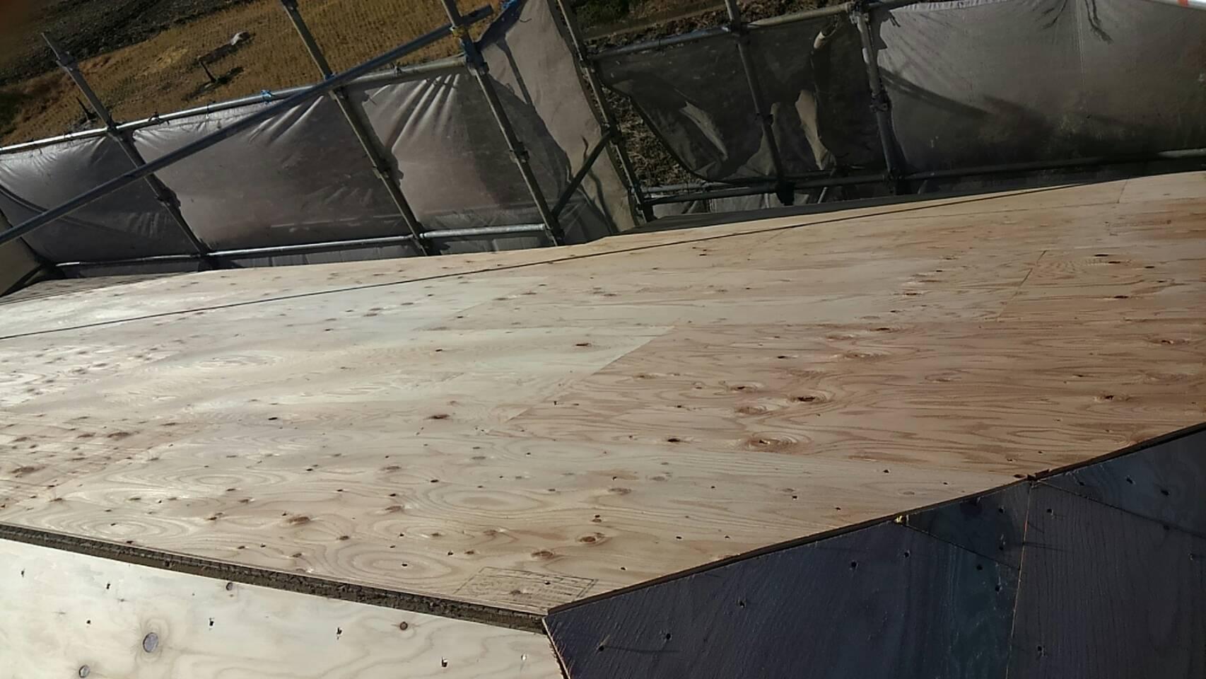 ◇屋根の葺き替え検討の方必見◇ ~コロニアル上にガルバ ~