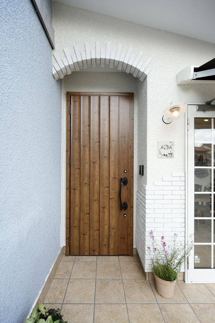 Door in spanish home design inspirations for Habitacion wordreference