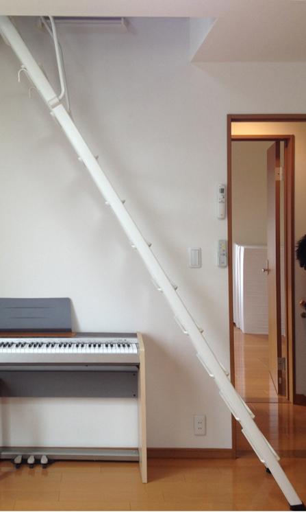 見て見て! こんなに上手にのぼれるよ! ~限られたスペースのロフト階段~