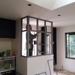 アメリカンビンテージスタイルに変貌中②エントランスのスチール窓が設置されました!