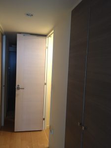 トイレ ドア 交換