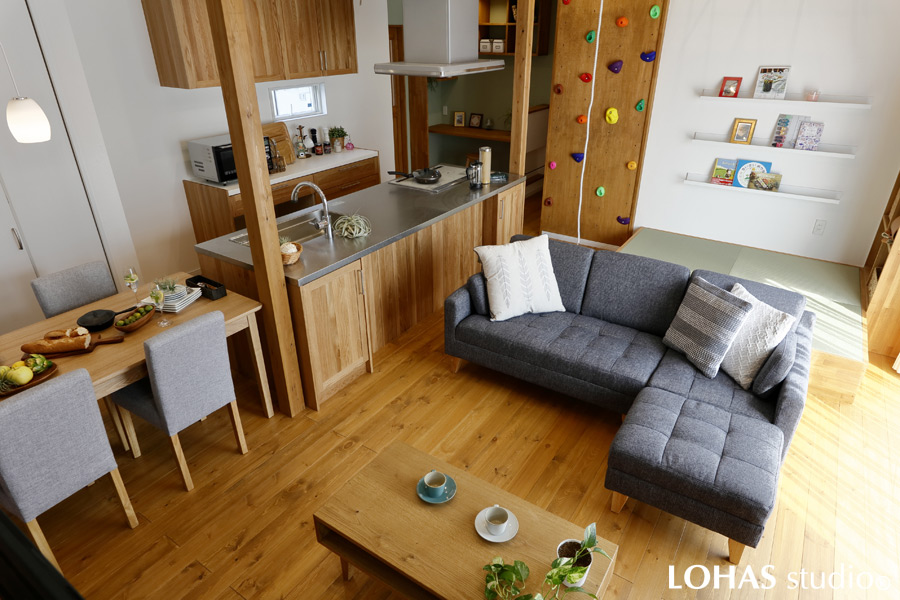 ロフト付きの平屋のお家。憧れのキッチンやオーダーメイド家具に囲まれて(新築・注文住宅)