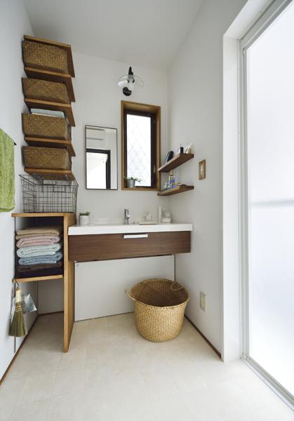清潔な洗面室の様子