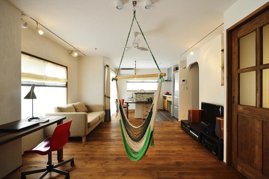 COLORS-50平方mの空間をカラーで分ける住まい-(一戸建て)