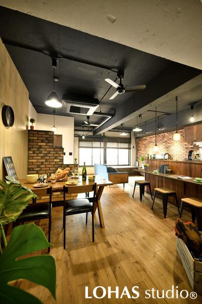 テイストにこだわって、カフェのような佇まいとなったキッチンダイニングの様子