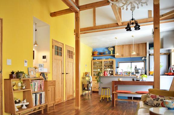 お菓子みたいなキレイ色 -屋根裏づかいのカラフルLDK-(一戸建て)