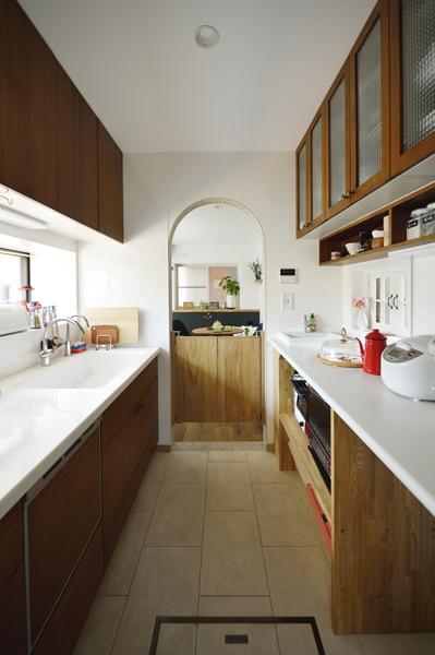 シンプルで無駄のないキッチン