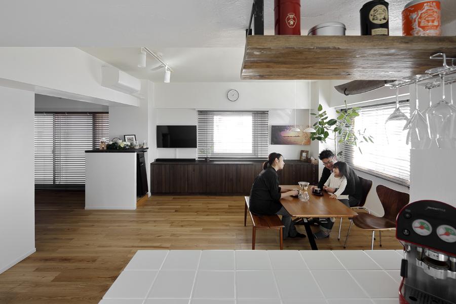 潮騒ささやく爽やかな佇まいの家 -中古購入とリフォームを同時進行-(マンション)