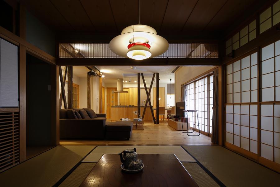 格式の高さを感じさせる和室の様子