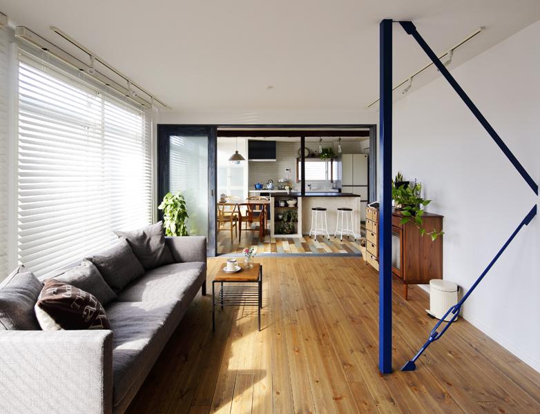 ブルーインテリアは家族の快適空間(一戸建て)