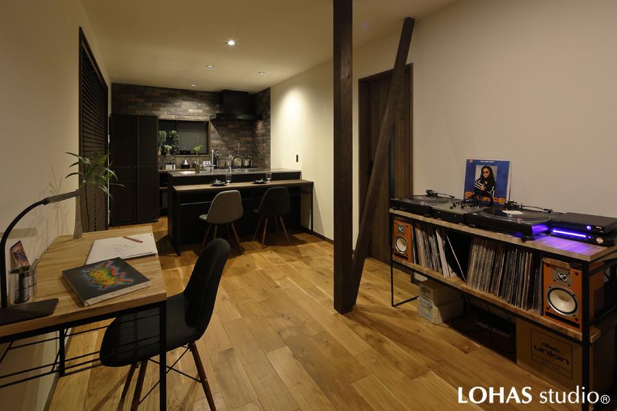 大人の男が暮らす家 -アイアン家具と造る 無骨なリラックス空間-(一戸建て)