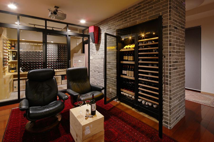 音楽とワインに寛ぐ貴賓室 地下に造る憩いの空間(一戸建て)