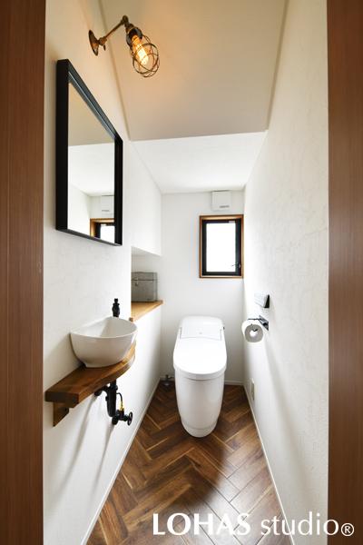爽やかな印象を強めたトイレの様子