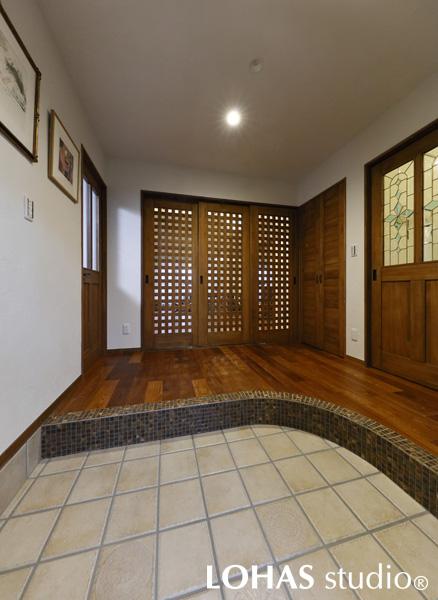 ゲストを沢山呼んでも安心な広々とした玄関の様子