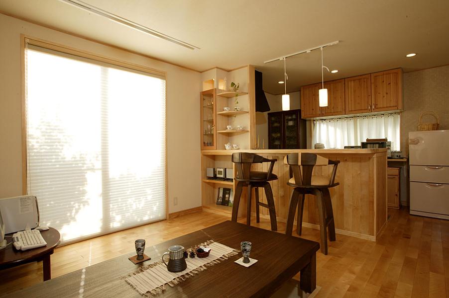 念願の明るい対面型キッチンへリフォーム(一戸建て)