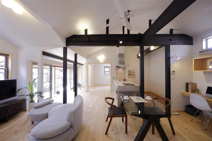 日本家屋の豊かな暮らし―縁側のある風景―(一戸建て)