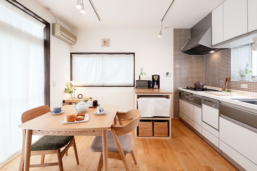 シンプルデザイン カフェダイニング「美の比率」白銀比の和室(一戸建)