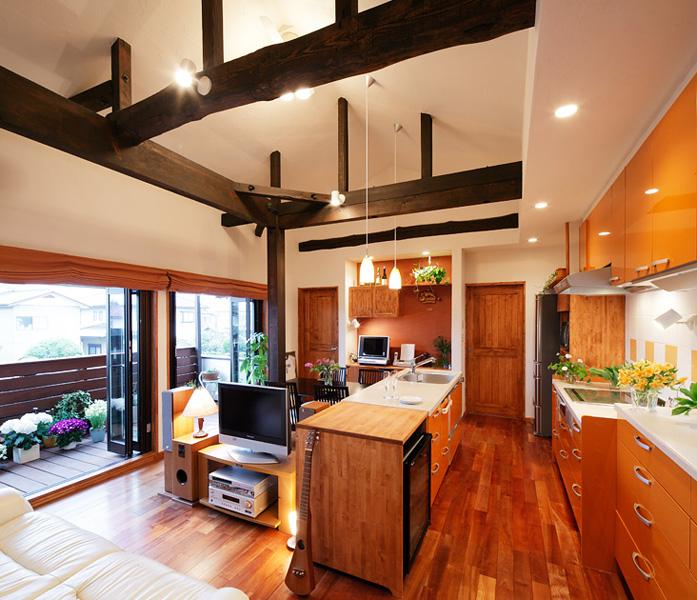家族の中心にあるキッチン(一戸建て)