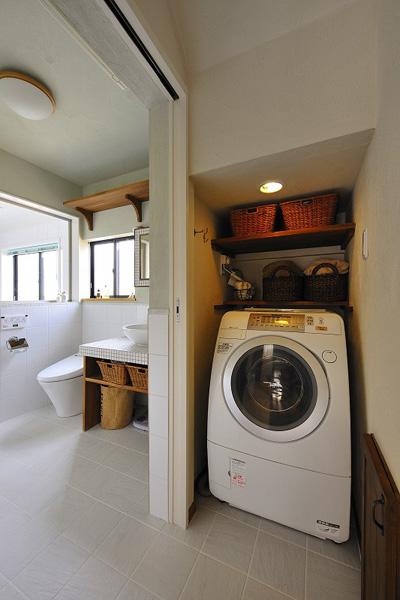洗面所に洗濯機スペースを造作