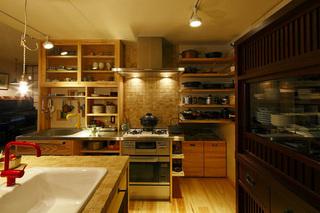 オートクチュールの台所 ご両親の健康を願って(一戸建て)