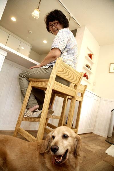 愛犬も、無垢の床がお気に入り