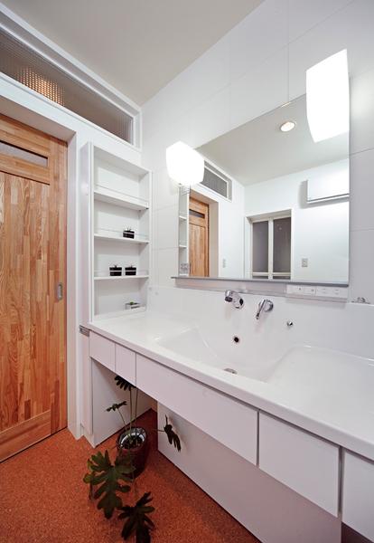 広々としたホテルのような洗面室
